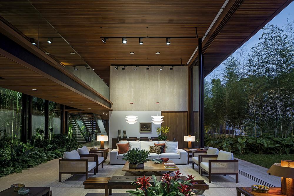 MLA House / Jacobsen Arquitetura